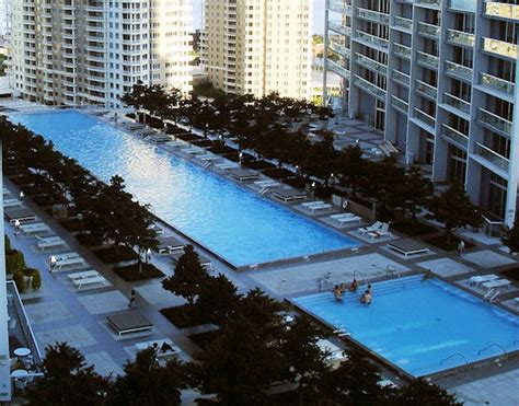 icon brickell tower 2 front desk extreme pools icon brickell usa