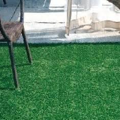 erba sintetica per terrazzi prezzi listino prezzi pavimento in legno per esterni
