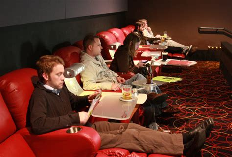 Amc Braintree Recliners by Theaters That Serve In Boston