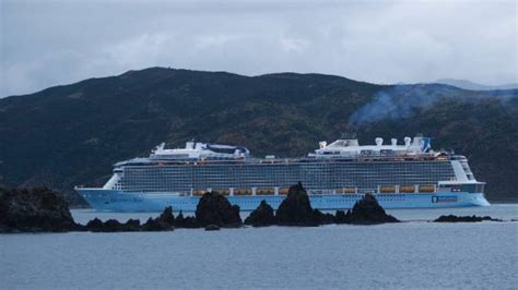boat cruise wellington harbour biggest cruise ship ever to sail in new zealand waters