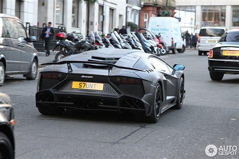 Stunt Lamborghini Stunt Zijn Lamborghini Aventador Is Extreem