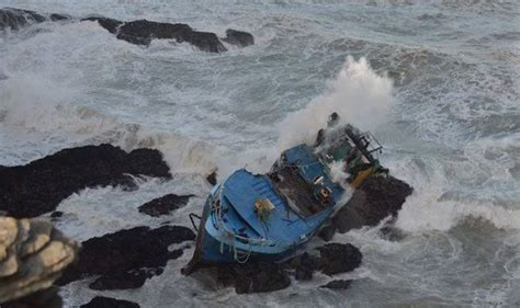 fishing boat caught in storm atlantic storm factory to bring britain more chaotic