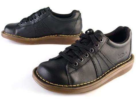 Sepatu Dr Martens dr martens 2b24 mel 6 eye random desirable stuff