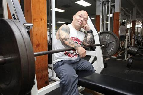 midget bench press bodybuilding dwarf set to wed transgender woman daily star
