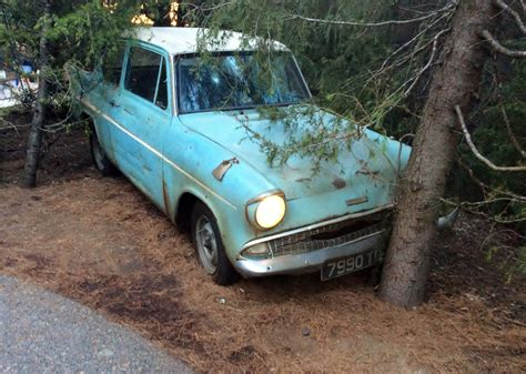 ford anglia harry potter file ford anglia 105e whichi flew at quot harry potter and