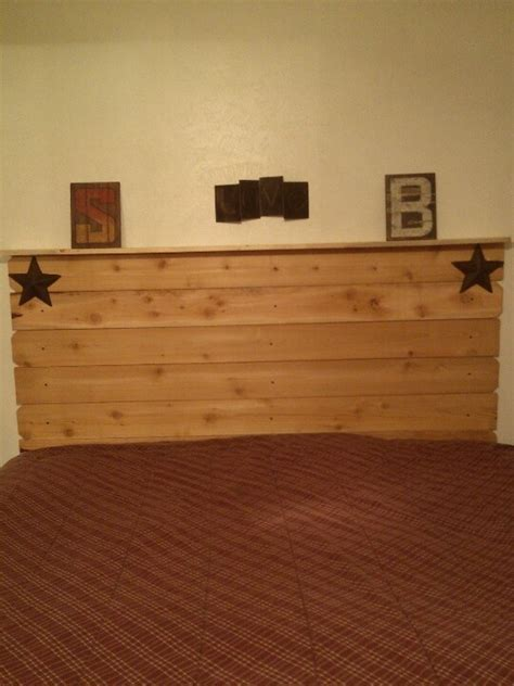 How To Make A Headboard Out Of Barn Wood by Headboard Out Of Fence Wood Looks Like I M