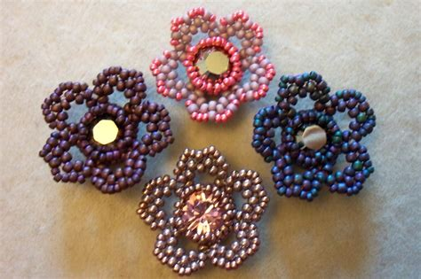 how to bead a flower by becs mrs picklefish designs friday flower freebie