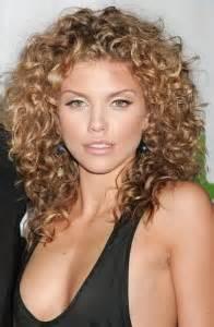 most flattering hairstyle for sagging neck kort haar kapsels vind hier de look die bij jou past