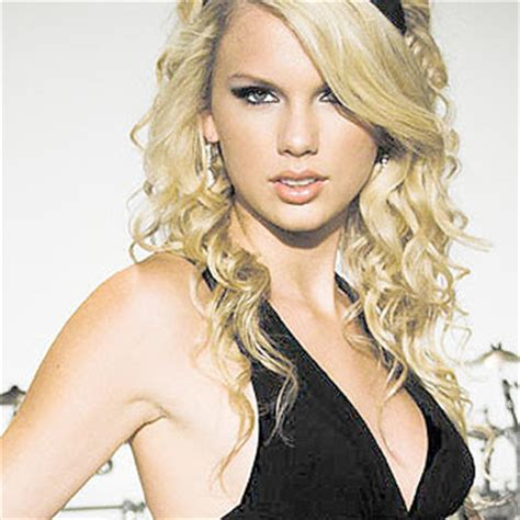 full biography of taylor swift hollywood taylor swift biography