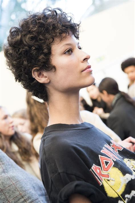 pixie curly hair pinterest best 25 curly pixie cuts ideas on pinterest curly pixie