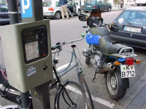 Darf Quad Motorrad Parkplatz Parken by Motorrad Und Parkschein 166 Fahrtipps De
