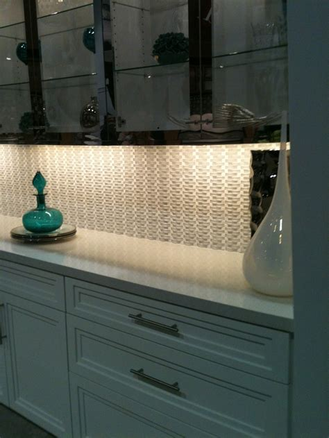 here s the dal tile display showing the glass mosaic
