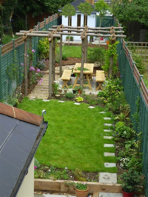 25 Trending Narrow Garden Ideas On Pinterest Small Small Narrow Backyard Ideas