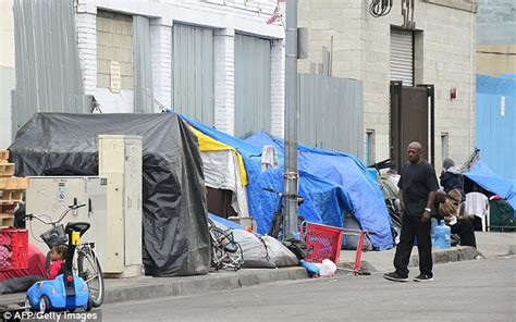 Homeless Community La To Launch Crackdown On Homeless Encments As 44k