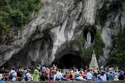 lourdes web grotta la grotte de lourdes voyages cartes