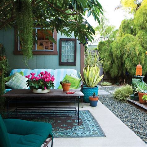 decorating a backyard 25 best ideas about small yard design on pinterest