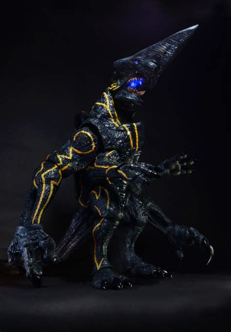 Figure Led Foots Heckbilly a closer look at neca s 18 inch pacific knifehead light up figure 171 pop critica pop