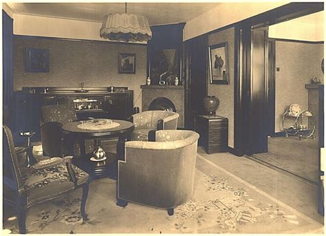59 best images about 1930s 40s interiors on 28 best images about jaren 30 woning vroeger on window treatments cas and amsterdam