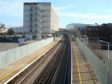 crawley railway station wikipedia