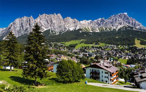Most Picturesque Towns In Usa by Cortina D Ampezzo F 232 ŝta De Ra B 224 Ndes Eventi Week