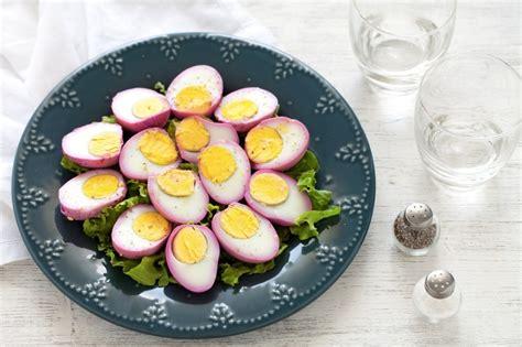 cucinare uova sode al microonde ricetta uova sode alla barbabietola cucchiaio d argento