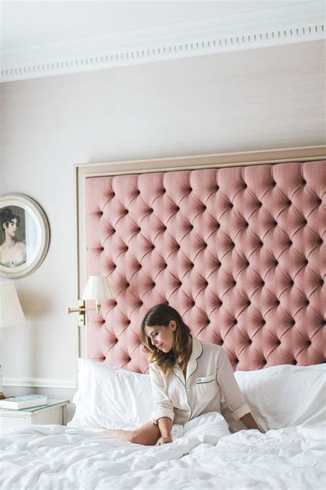 How To Tuft A Headboard by Tutorial On How To Make The Tufted Headboard Cretive