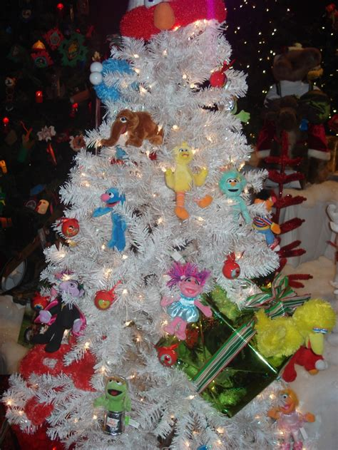 sesame street christmas tree i