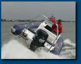 motor boats for sale isle of wight powerboat and motor cruiser courses isle of wight and solent