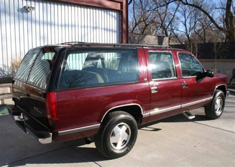 how to sell used cars 1993 gmc suburban 2500 spare parts catalogs 1993 gmc suburban information and photos momentcar