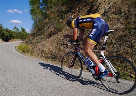 Alat Lari Putar 9 olahraga ringan yang bisa membawamu kuat mendaki sai ke puncak