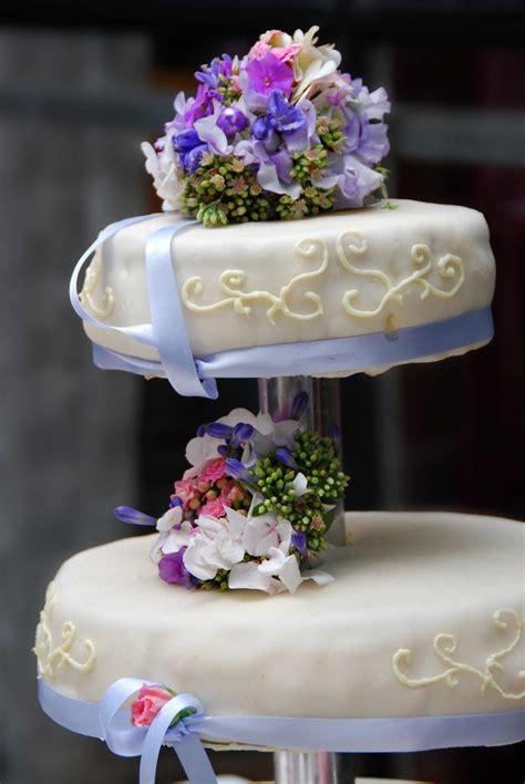 Etagere Torte by Hochzeitstorte Etagere Bildergalerie Hochzeitsportal24