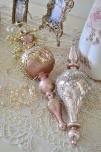 Packing Christmas Ornaments - 22 pastel christmas decor ideas to add glamour to your home decorations godfather style