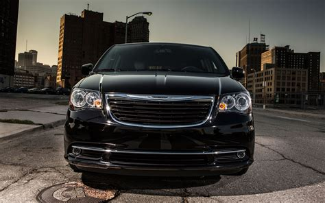 Chrysler Town And Country S by 2013 Chrysler Town And Country S Wallpapers Pictures