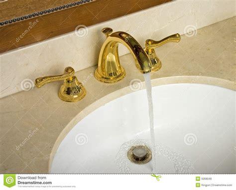 sink fossett water flowing in sink royalty free stock image image