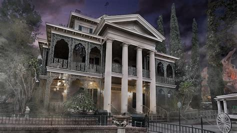 the sights of haunted mansion holiday at disneyland the haunted mansion holiday disneyland resort