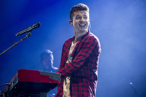 charlie puth korea concert you ll never guess how charlie puth learned to sing