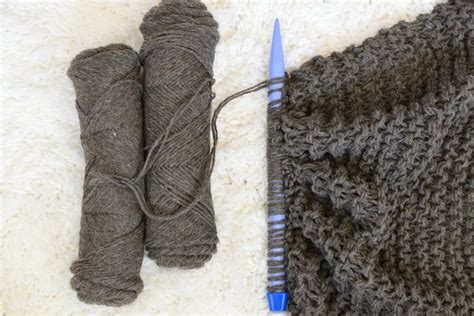 beginning knitting big beginner knit shawl scarf pattern in a stitch