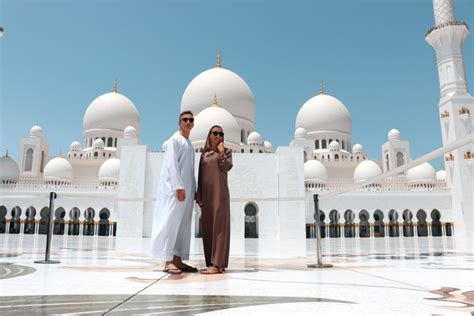 Square Meters To Square Feet by Visiting Abu Dhabi S Sheikh Zayed Mosque Radisson Blu