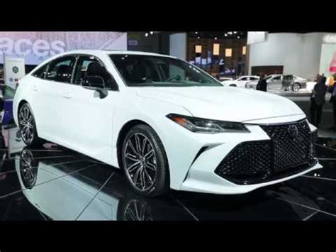 2019 toyota avalon debuts in detroit