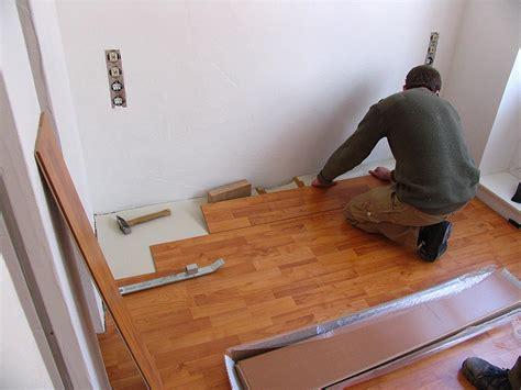 laminat wandbefestigung anleitung zum verlegen laminat perfekt heimwerken