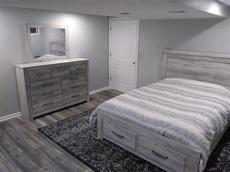 gray bedroom  kronotex villa harbour oak grey laminate
