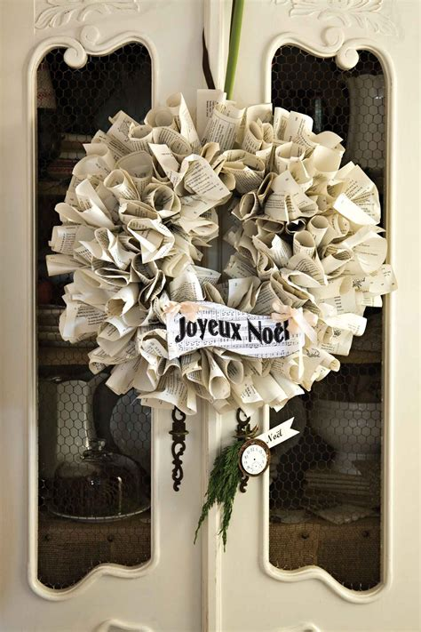 A Paper Wreath - craft book paper wreath