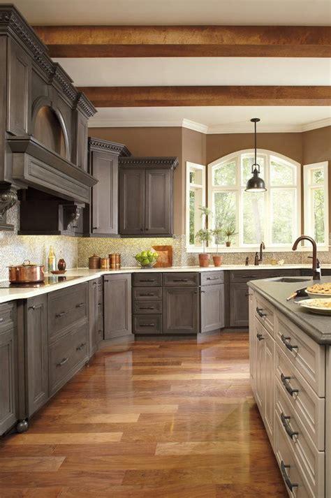 thomasville kitchen islands 25 best ideas about thomasville cabinets on