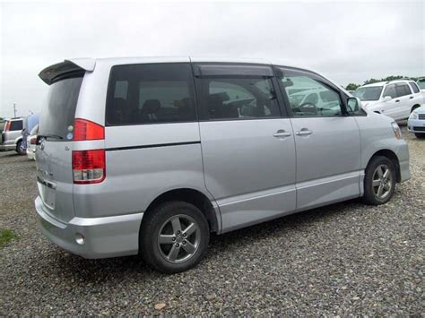 Toyota Naoh 2004 Toyota Noah Wallpapers 2 0l Gasoline Automatic