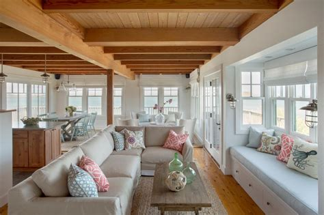 organically inspired cottage home on martha s vineyard