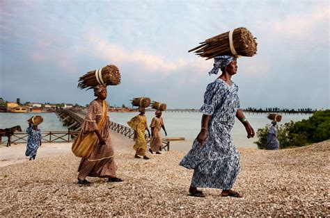 Senegal Calendã 2018 The Earth Defenders In The Mood For Food