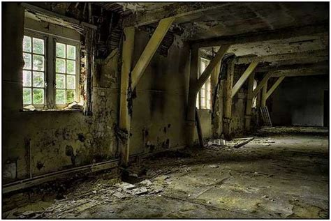 abandoned structures pin old abandoned buildings wwwzeusboxcom on pinterest