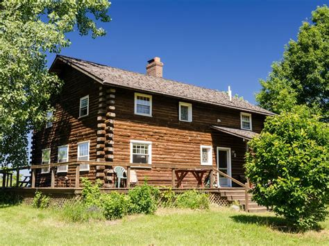 lakefront log home with homeaway country lakefront log home on 60 foot homeaway south