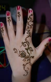 20 stylish and lovely henna designs for hands sheideas
