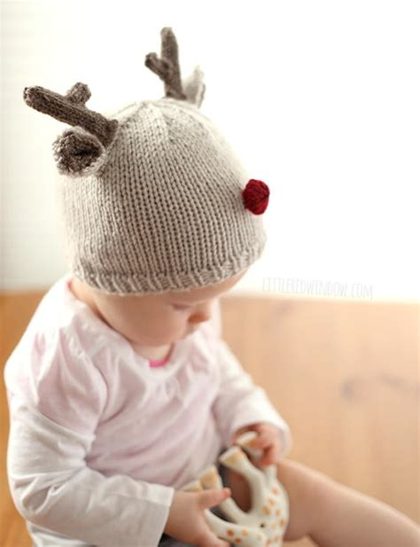 how to knit a tiny hat tiny reindeer hat knitting pattern allfreeknitting